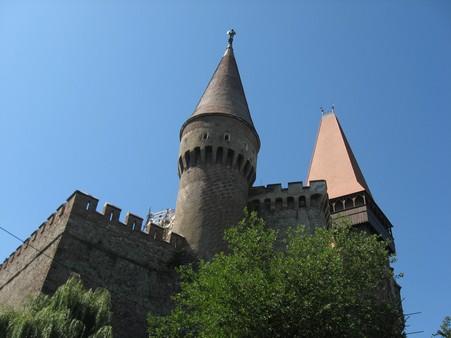 2. Castelul Corvinilor