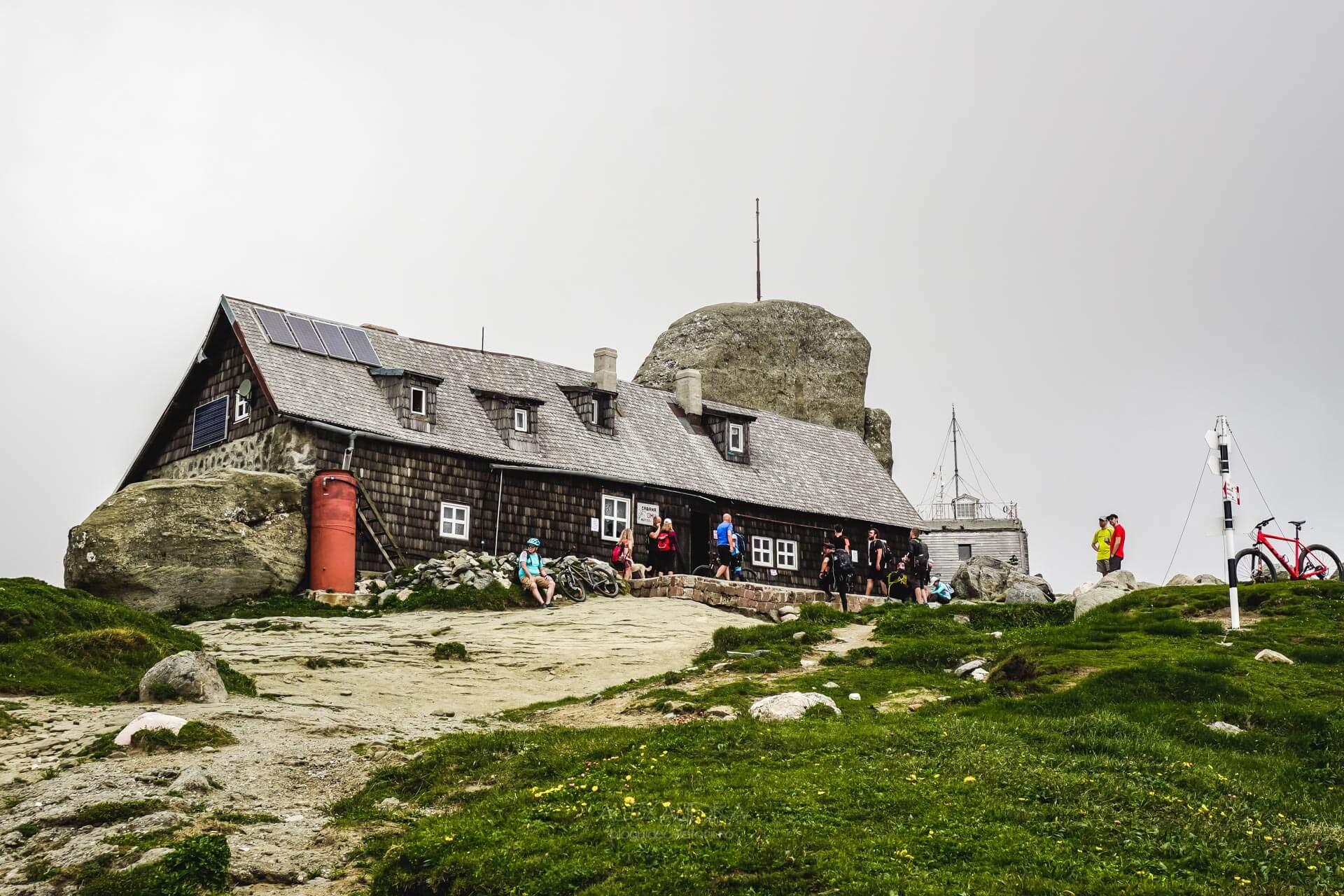 Cabana Omu, Muntii Bucegi