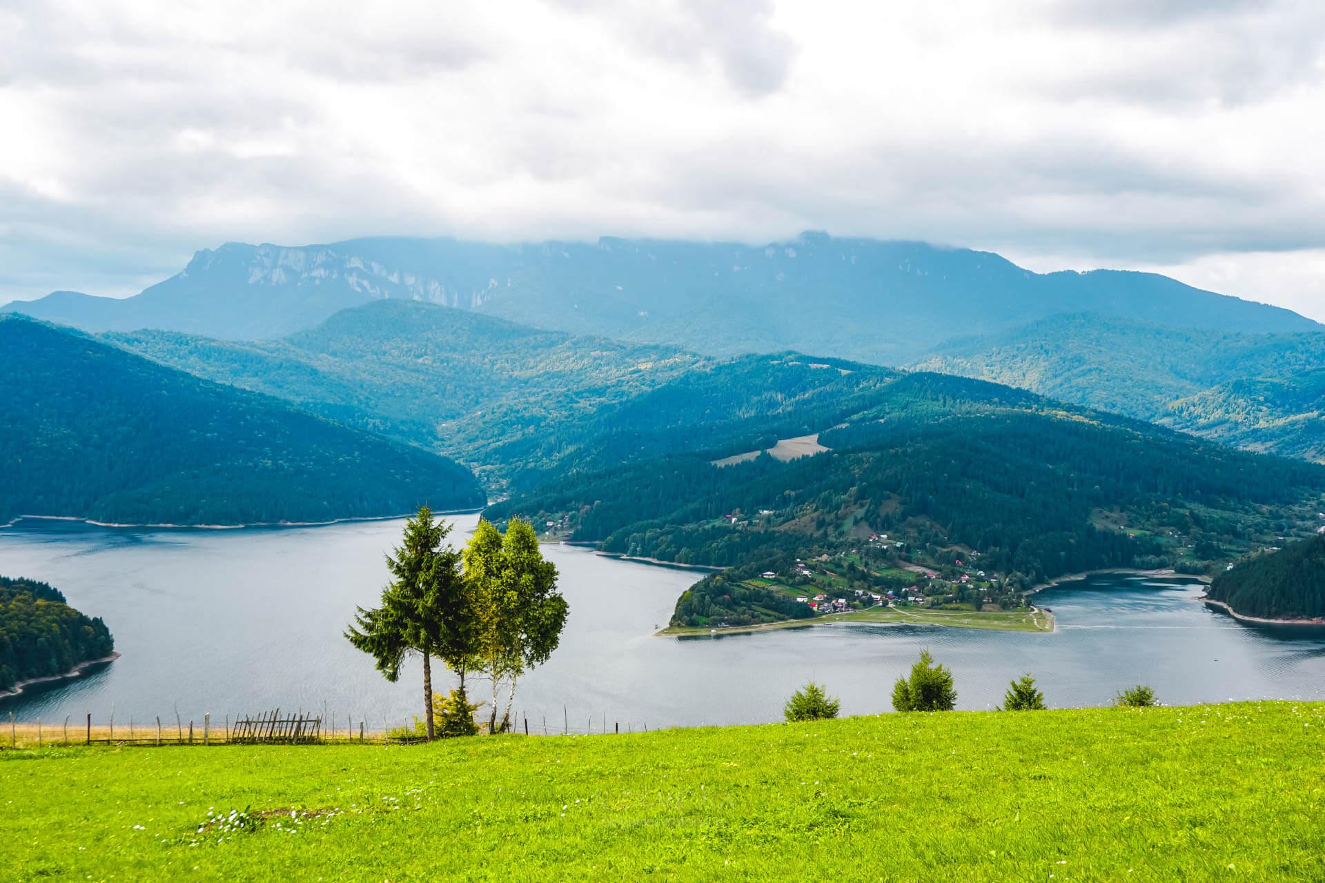 Lacul Bicaz (Izvorul Muntelui) văzut de sus